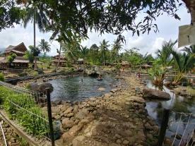 Kolam dengan batu2 besar